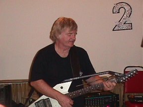 Bill Hillman and Roland G-707 Synthesizer Guitar