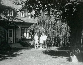 The Hillmans and Russ on John Diefenbaker's front lawn