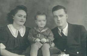 Louise, baby Billie, and Jerry Hillman